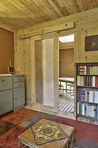 Int rieur d 39 une maison paille tech for Interieur d une maison